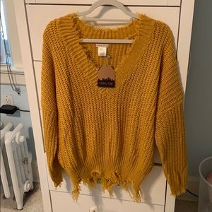 main strip sweater